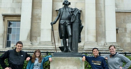 Students with Washington Statue